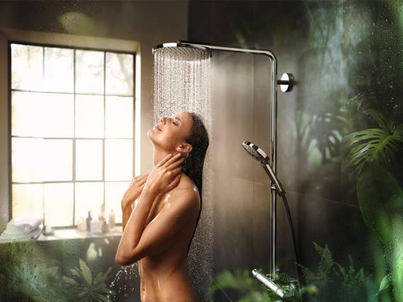 showerpipe-raindance-select-s-powderrain_ambiance-with-woman_keyvisual_4x3