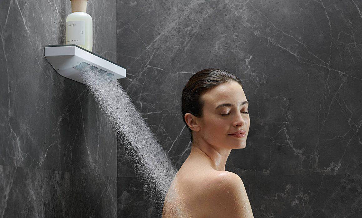 rainfinity_shoulder-shower_powderrain_woman_ambience_4x3